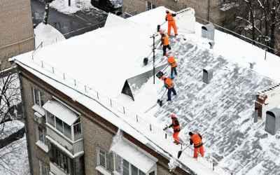 Уборка улиц и дорог от снега с крыш любой сложности - Горно-Алтайск, цены, предложения специалистов